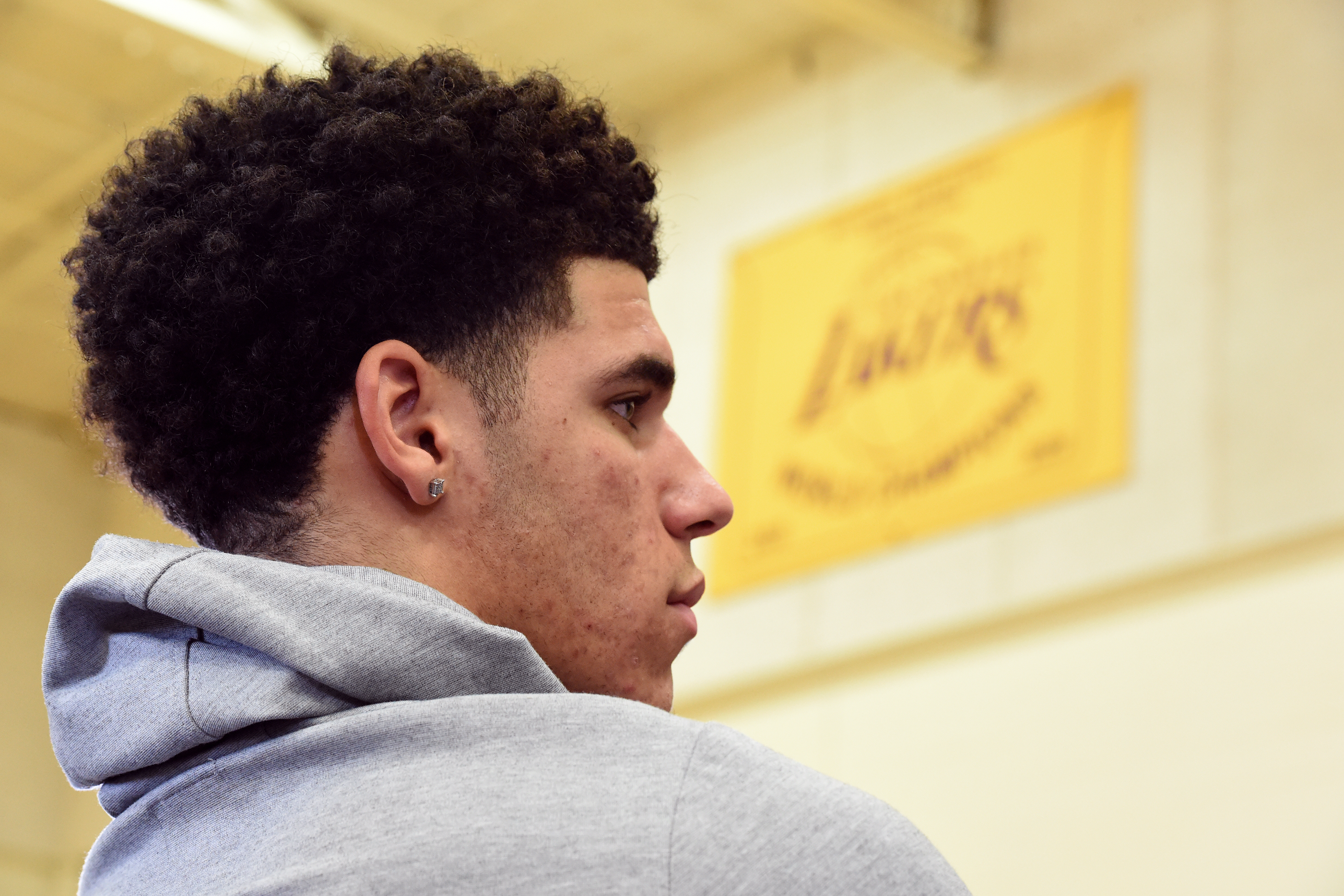 Los Angeles Lakers Lonzo Ball S Presence Alone Is Rejuvenating L A