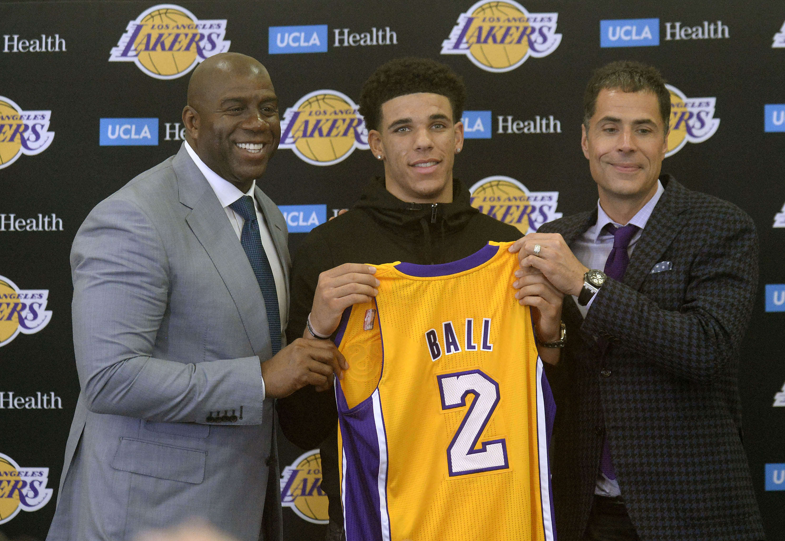 a3a80075 Los Angeles Lakers: Three goals for Lonzo Ball in his rookie season